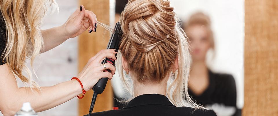 Układanie fryzury ufryzjera